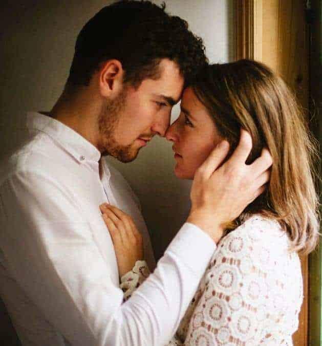 Body Language of Love by Love Expert Kaz Psychic   Kazpsychic co uk